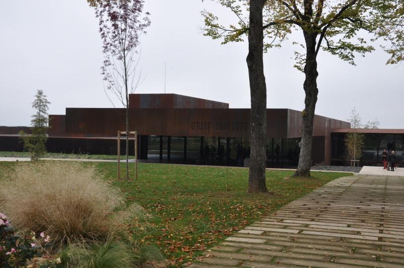 Aveyronnaise 2: Soulages, le musée de Rodez et les vitraux de Conques Dsc_0811
