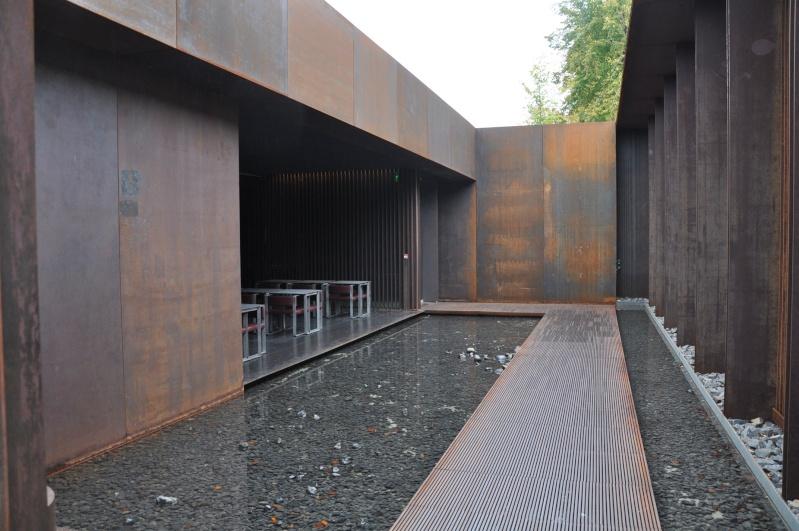 Aveyronnaise 2: Soulages, le musée de Rodez et les vitraux de Conques Dsc_0813