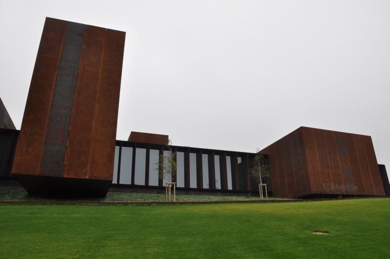 Aveyronnaise 2: Soulages, le musée de Rodez et les vitraux de Conques Dsc_0815