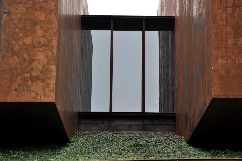 Aveyronnaise 2: Soulages, le musée de Rodez et les vitraux de Conques Dsc_0821