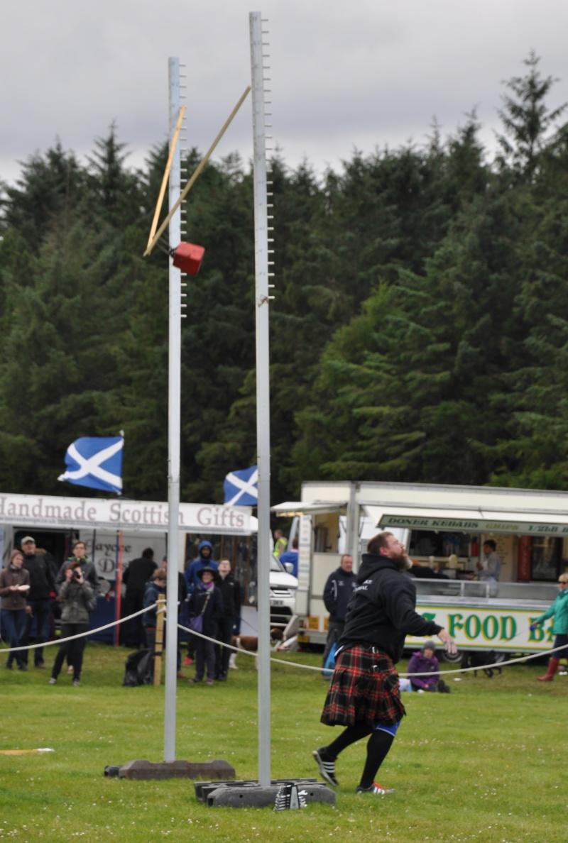 Scottish story 4: Highland games à Arisaig le 29 juillet 2015 - Page 2 Poids_15