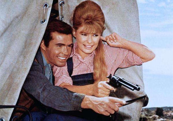 Mon Colt fait la loi - Le pistole non discutono - Mario Caiano - 1963 Moncol10