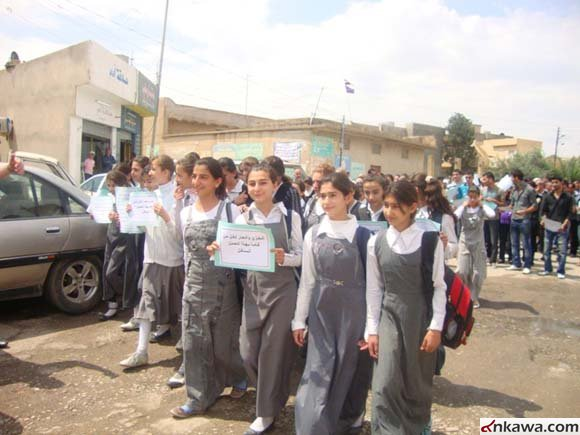 مسيرة حاشدة في كرمليس أحتجاجاً على أستهداف طلبة بغديدا 423