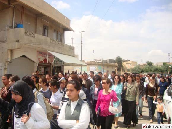 مسيرة حاشدة في كرمليس أحتجاجاً على أستهداف طلبة بغديدا 619
