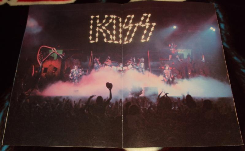 KISS, QUAND TU ME  TOUR.....NES EN BOOK! - Page 2 Dsc01120