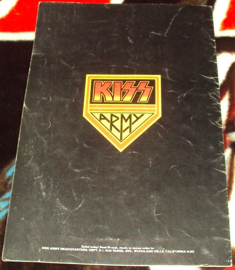 KISS, QUAND TU ME  TOUR.....NES EN BOOK! - Page 2 Dsc01124