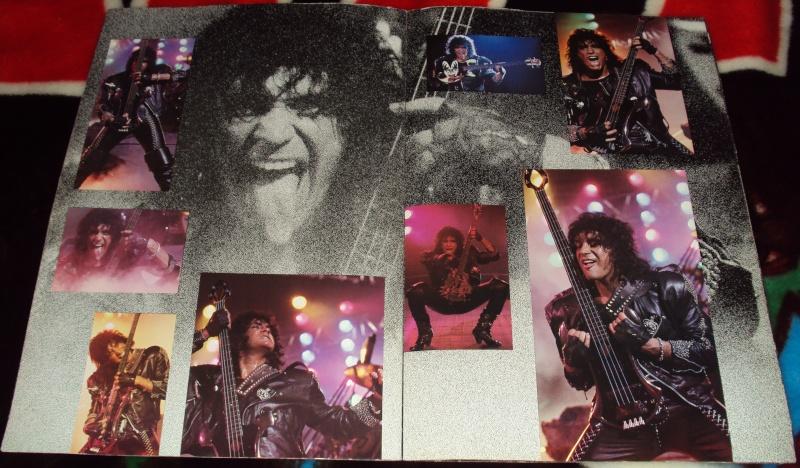 KISS, QUAND TU ME  TOUR.....NES EN BOOK! - Page 3 Dsc01137