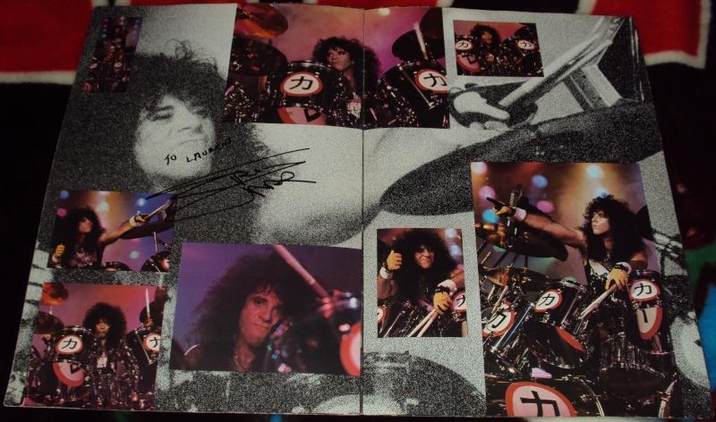 KISS, QUAND TU ME  TOUR.....NES EN BOOK! - Page 3 Dsc01138