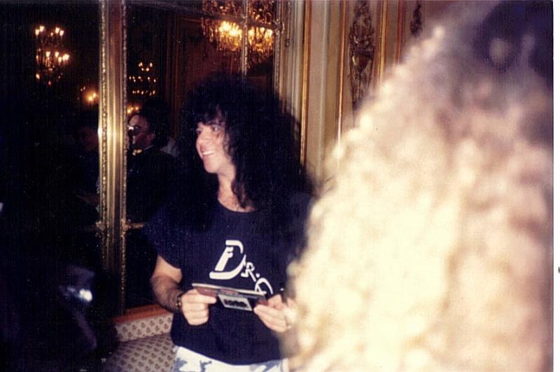 PARIS 1988 P410