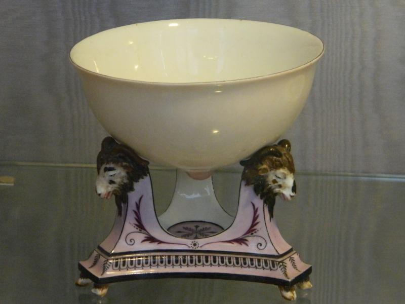 Service de Marie-Antoinette pour Rambouillet en porcelaine de Sèvres Rembou10