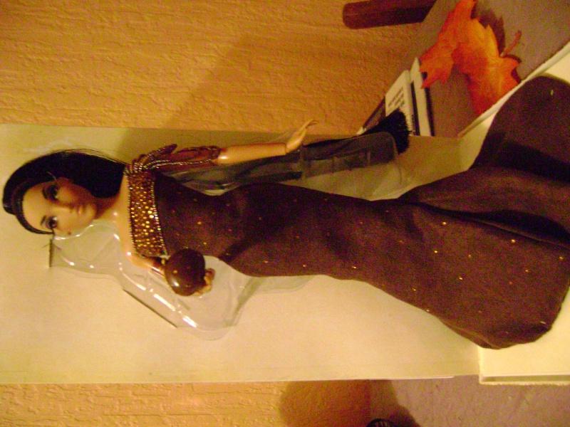 Nos poupées Designer en photo - poupée de la semaine - Page 6 Dsc00710