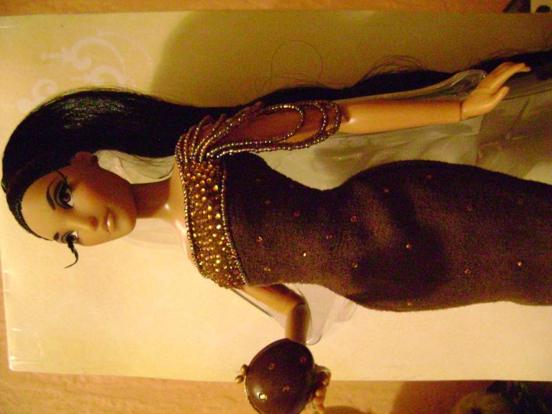 Nos poupées Designer en photo - poupée de la semaine - Page 6 Dsc00711