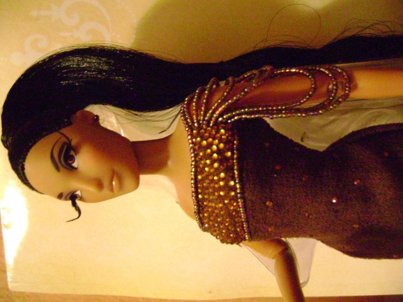 Nos poupées Designer en photo - poupée de la semaine - Page 6 Dsc00712