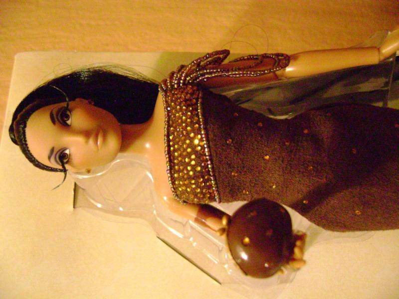 Nos poupées Designer en photo - poupée de la semaine - Page 6 Dsc00713