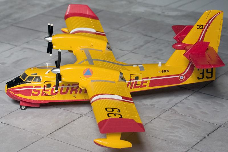Heller Canadair CL-415 6296_c10