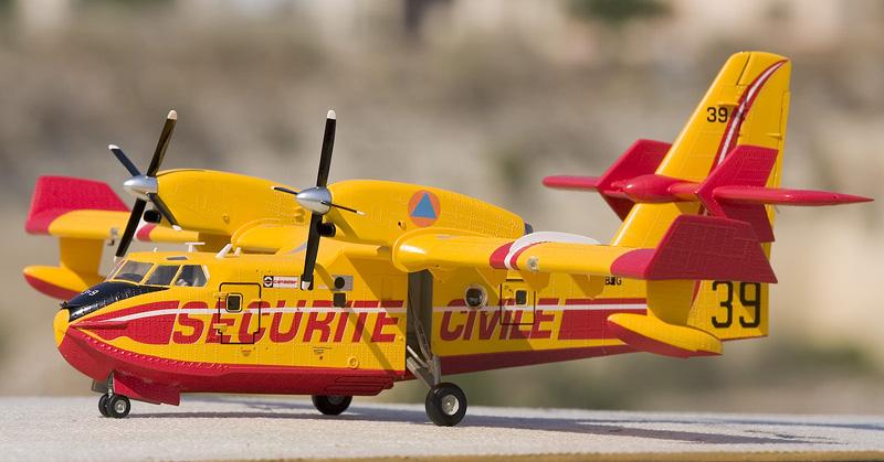 Heller Canadair CL-415 6302_c10