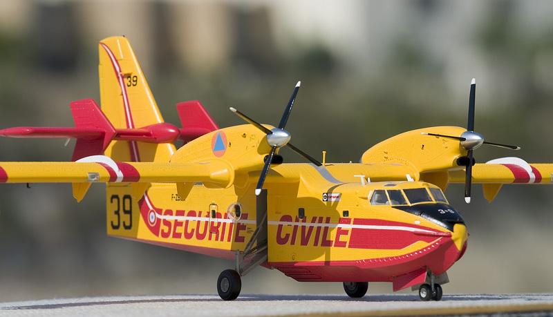 Heller Canadair CL-415 6306_c10
