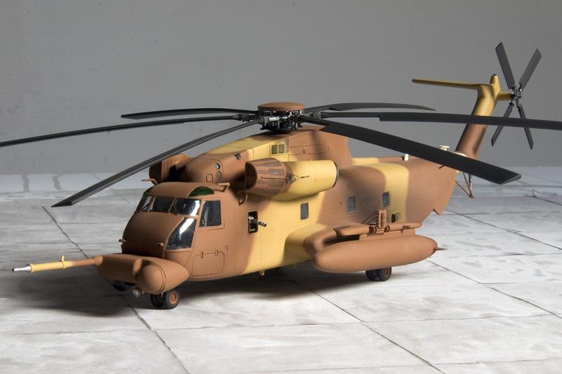3 Sikorsky Workhorses 7478_m10