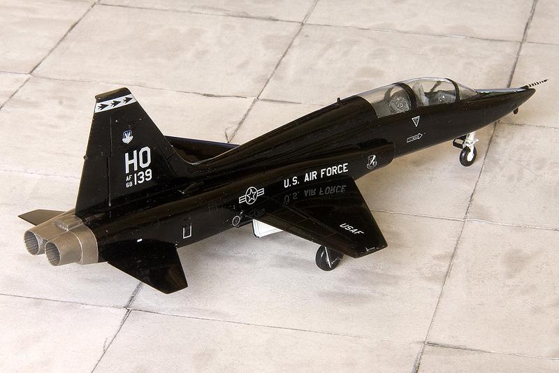 T-38 from an ESCI F-5B 7779_e10