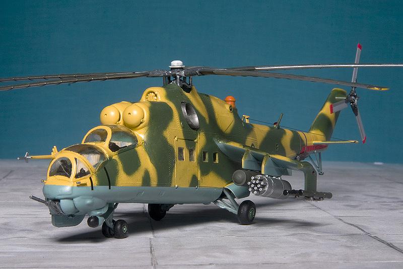 Italeri & HobbyBoss Mi-24 hinds 8043_e10
