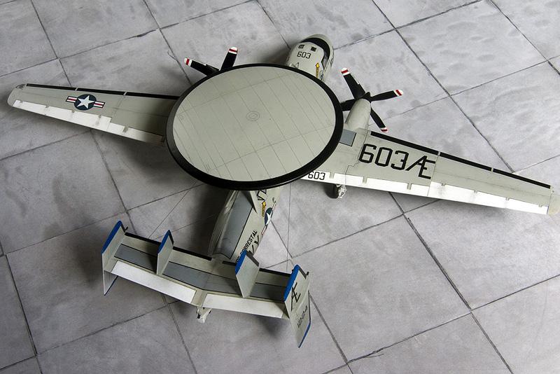 Heller/Fujimi E-2C 8111_e10