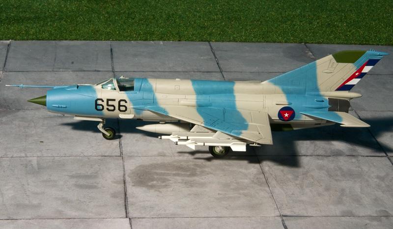 Fujimi Mig-21's 8193_m10