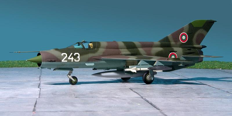 Fujimi Mig-21's 8198_m10