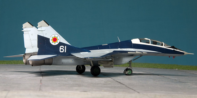 Heller Mig-29UB in Moldovian markings. 8351_m10