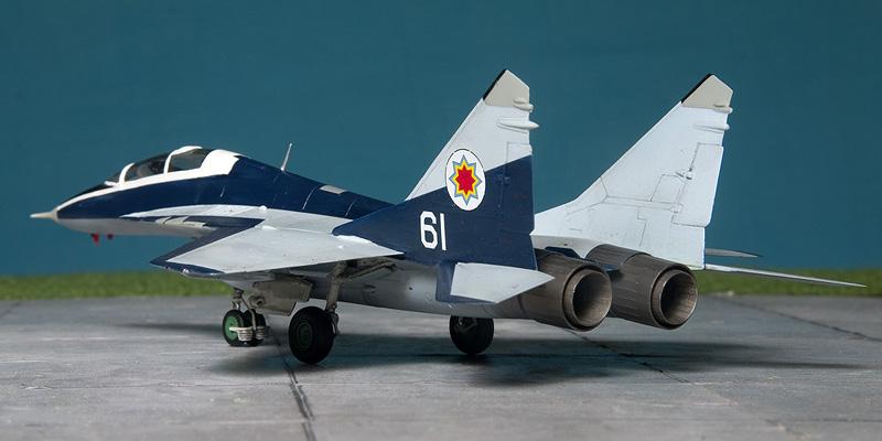 Heller Mig-29UB in Moldovian markings. 8352_m10