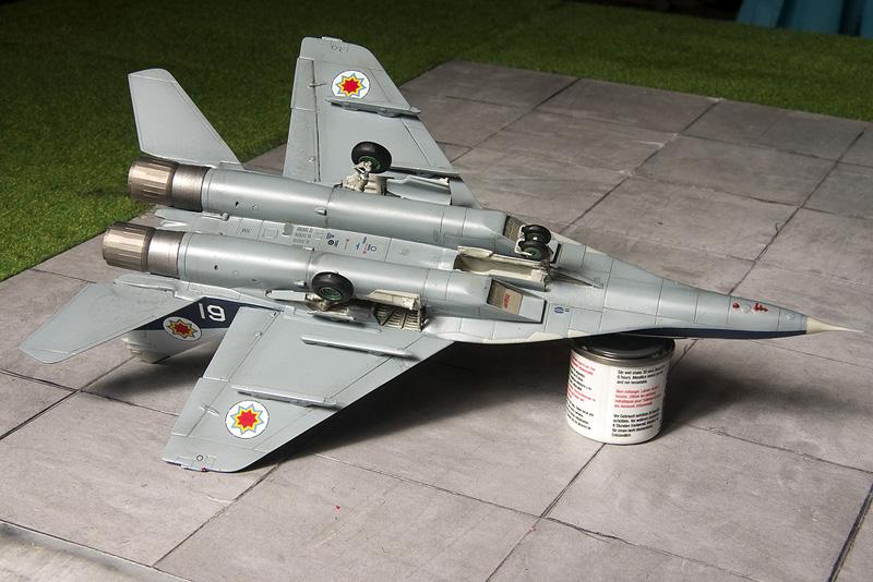 Heller Mig-29UB in Moldovian markings. 8361_m10
