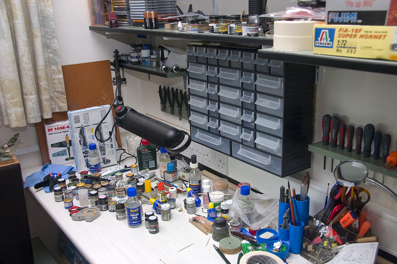 What does your workshop look like? - Page 3 Desk110
