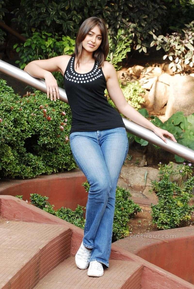 Ileana Posing hot and gorgeous in blue denim 46719410