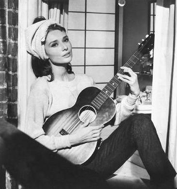 Abiti indossati da Audrey Hepburn 079db712