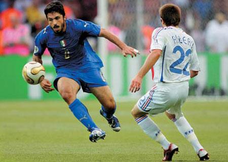 Bảng F: Vẫn rộng cửa cho người Ý 010