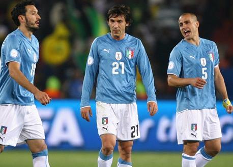 Italy - Paraguay: Thách thức nhà vô địch 915