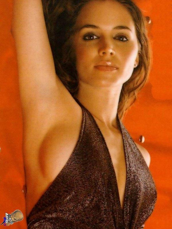 Top 10 - Les plus belles femmes Eliza-10