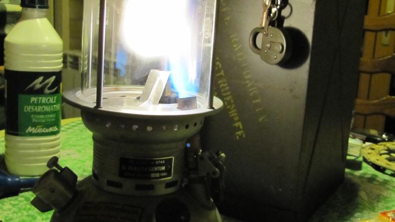 Eclairage : la lampe à pétrole Img_0127
