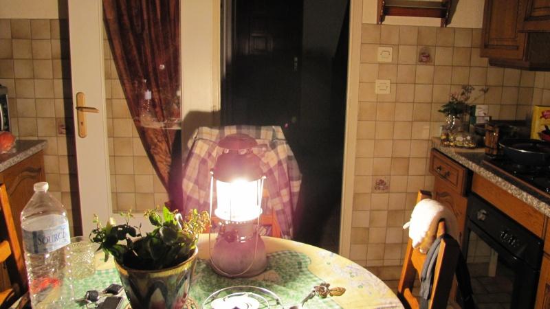 Eclairage : la lampe à pétrole Img_0129