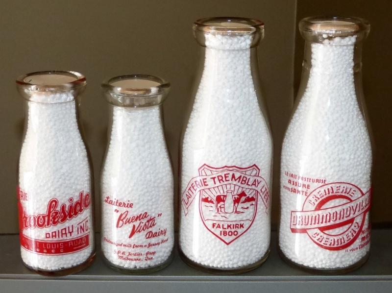 4 bouteilles de lait à vendre - Brookside / Buena Vista / Tremblay / Drummondville Z4lait11