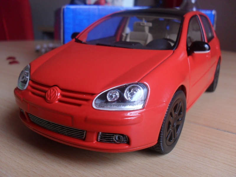 Bburago VW Golf 5 Sam_1113