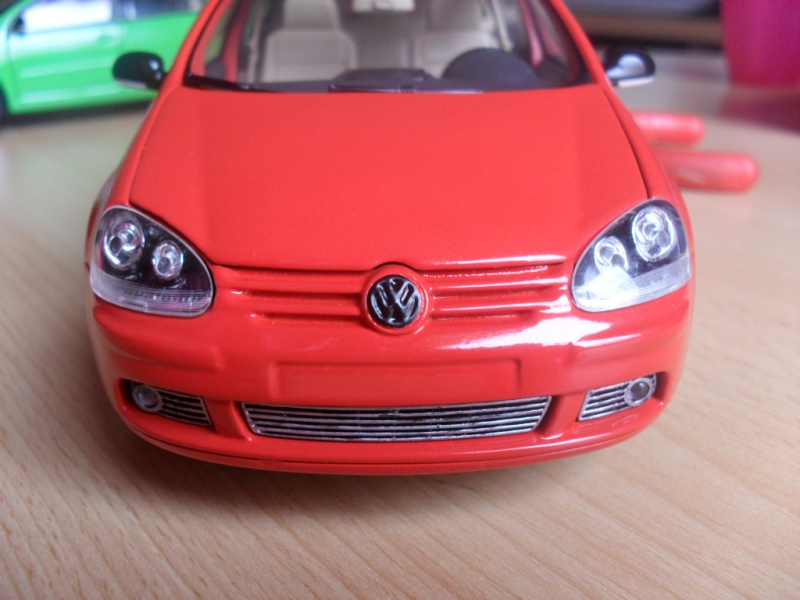 Bburago VW Golf 5 Sam_1118