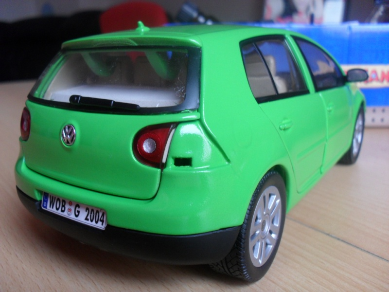 Bburago VW Golf 5 Sam_1126