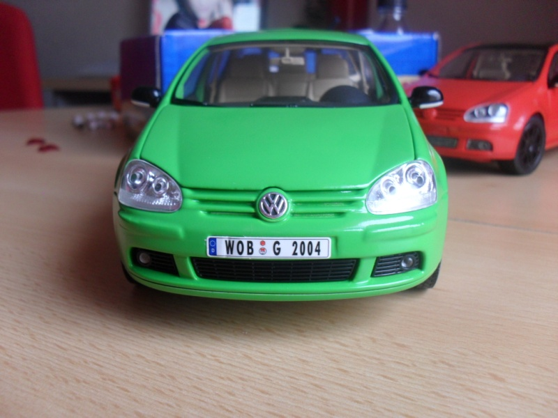 Bburago VW Golf 5 Sam_1130