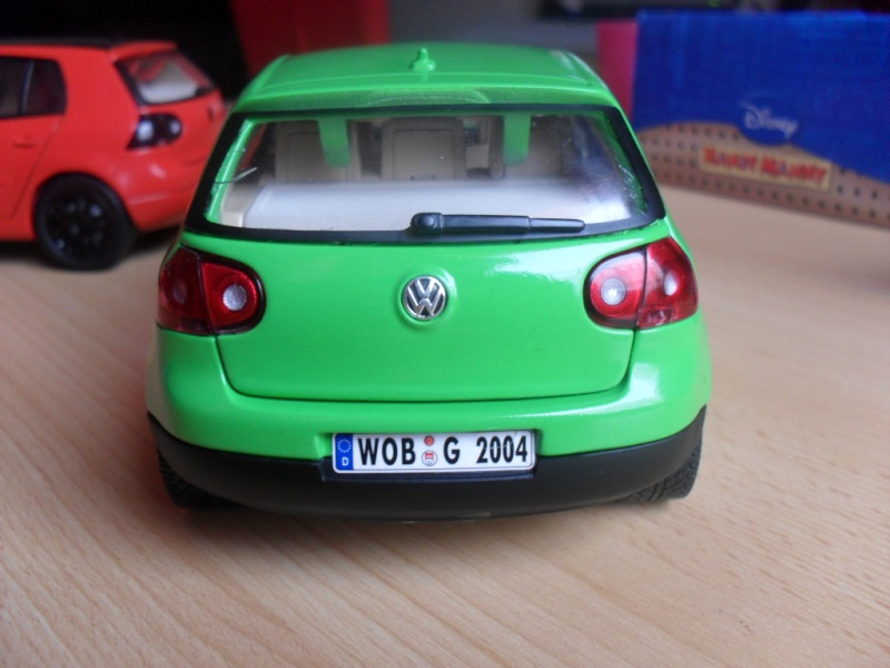 Bburago VW Golf 5 Sam_1131
