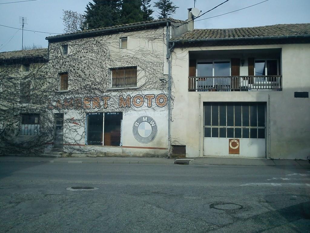 le village d'à coté Dsc00013