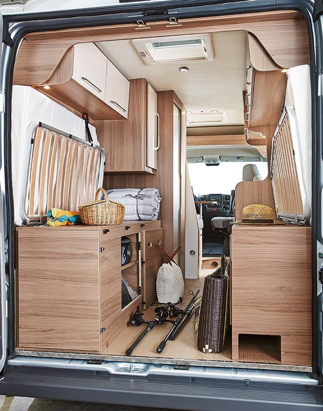 fermeture de placard rouleau. Black Bedroom Furniture Sets. Home Design Ideas