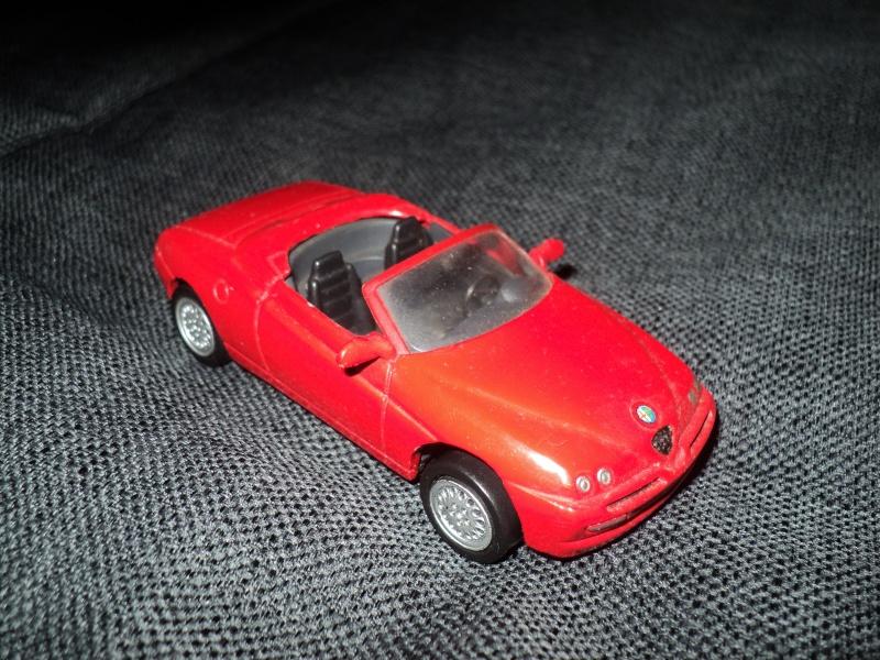La passion des voitures... en miniatures aussi! Dsc08410