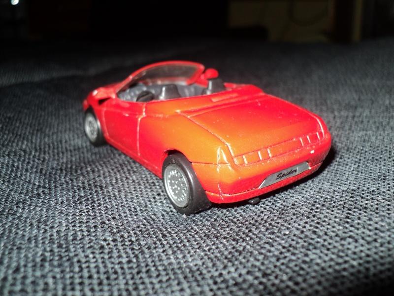 La passion des voitures... en miniatures aussi! Dsc08411