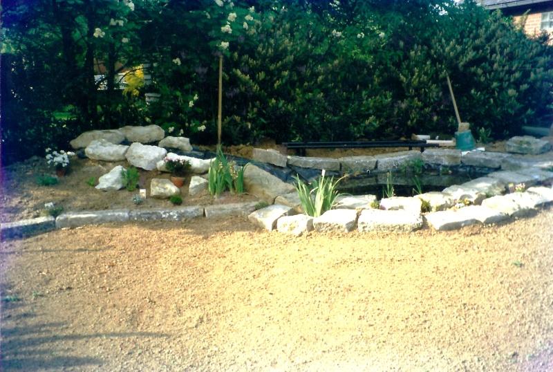 Un étang au jardin puis deux E_810