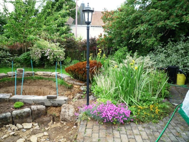 Un étang au jardin puis deux Ea_610